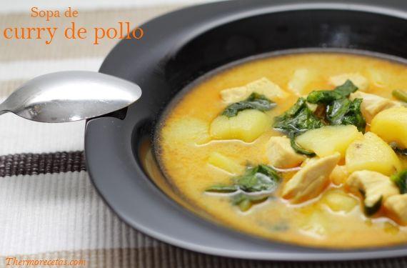 Sopa de curry de pollo hindú, acompañada de patata cocida, leche de coco y arroz basmati. Ideal como plato único por su equilibrio nutritivo.