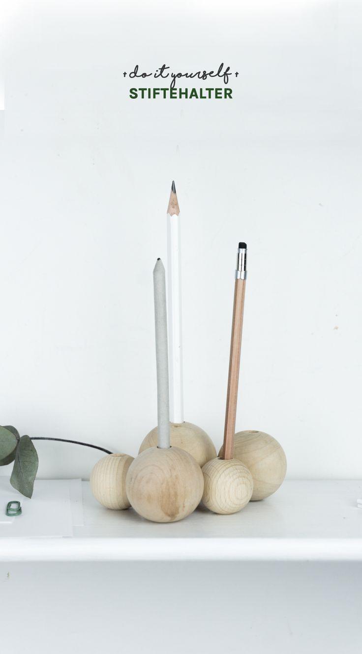 DIY Stiftehalter - in meiner Anleitung auf dem Blog zeige ich euch, wie ihr einen tollen Holz Stifteköcher basteln könnt | schnelles Stiftehalter DIY | Minimalismus | Skandi Design | Schreibtisch Organisation | Do it yourself | DIY Geschenkidee