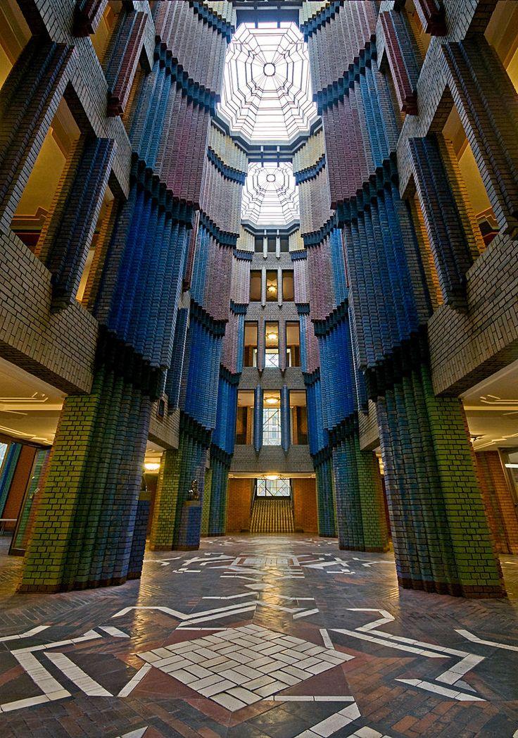 IPH Behrensbau Eingangshalle DSC 7851 - Expressionismus (Architektur) – Wikipedia