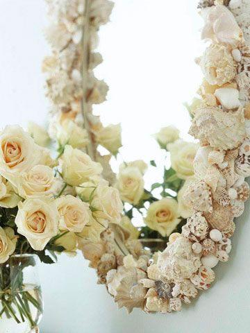 Espejo decorado con conchas de mar