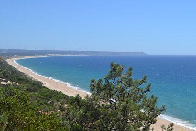 Cabo Espichel fotografado a partir da Arriba Fóssil da Costa da Caparica (Portugal)