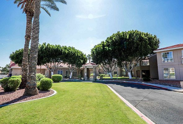 Gardens Of Sun City Offers A Variety Of Senior Living Services For Phoenix Scottsdale Residents In The Western Suburb Of Sun Sun City Urban Garden Respite Care