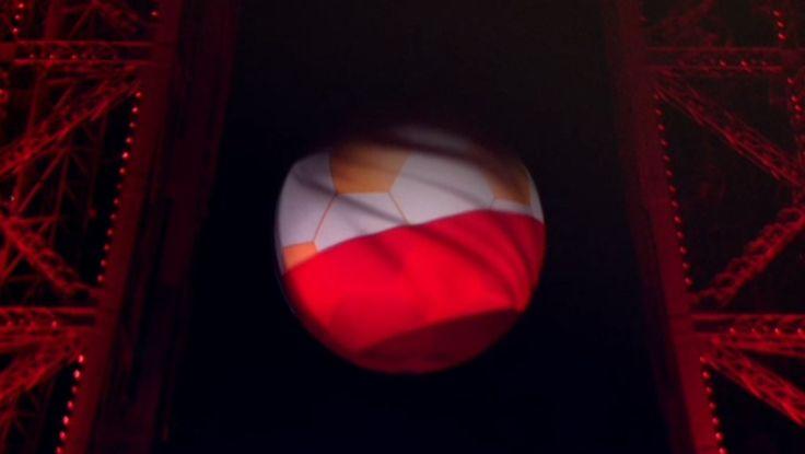 Zdjęcie numer 2 w galerii - Udało się! Biało-czerwona wieża Eiffla! A wszystko to dzięki WASZYM głosom