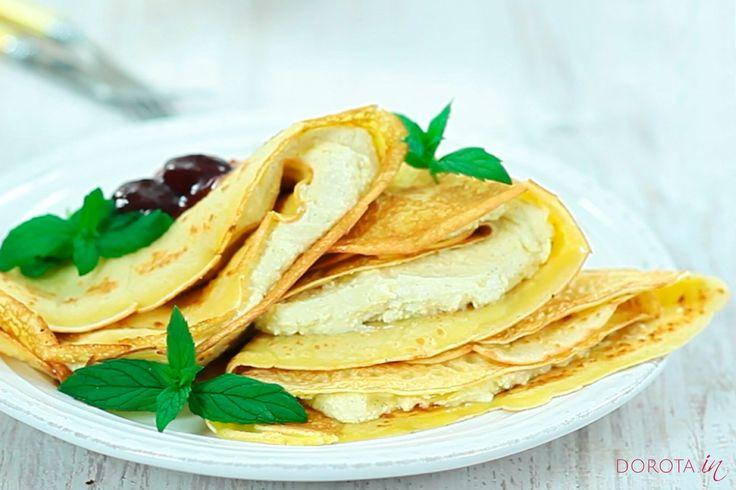 Naleśniki z serem - przepis domowy od mamy. Domowe naleśniki z twarogiem, cukrem waniliowym lub wanilią, albo cynamonem, z dodatkiem owoców lub konfitury.