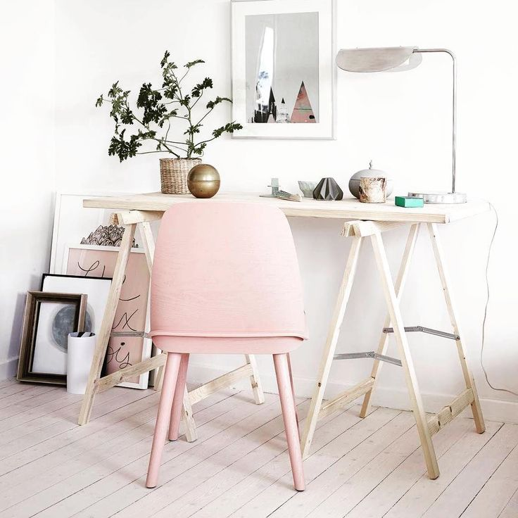 1000 ideas about pink chairs on pinterest shabby chic for Bureau cocooning