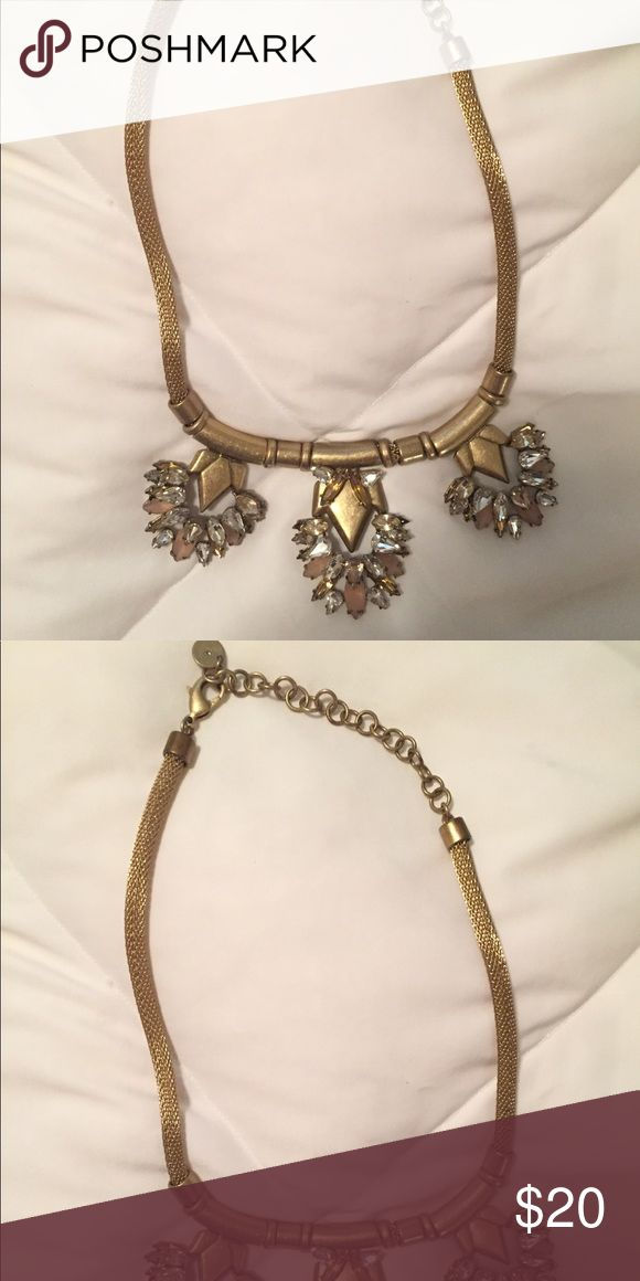 Stella & Dot Necklace Perfect condition. Stella and dot gold necklace Stella & Dot Jewelry Necklaces