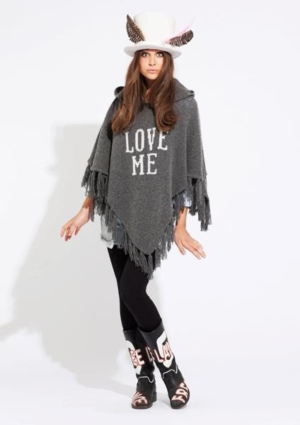 Love this poncho from the norwegian brand Line of Oslo :) looks so comfy!