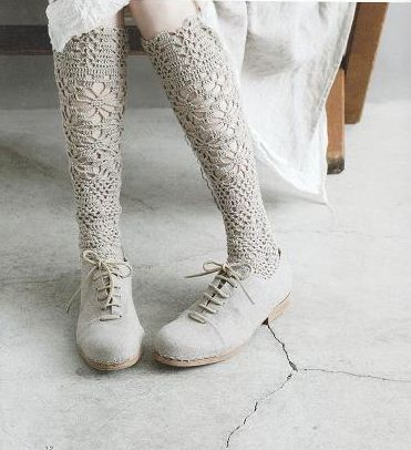 Calcetines de encaje de ganchillo mujer moda gris elegante con zapato de mismo color +++ lace crochet socks same color shoes