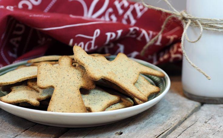 Prøv disse krydrede, smaksrike og litt seige kakene som minner om pepperkaker. Bakt på agavesirup, kokosmel og mandelmel.