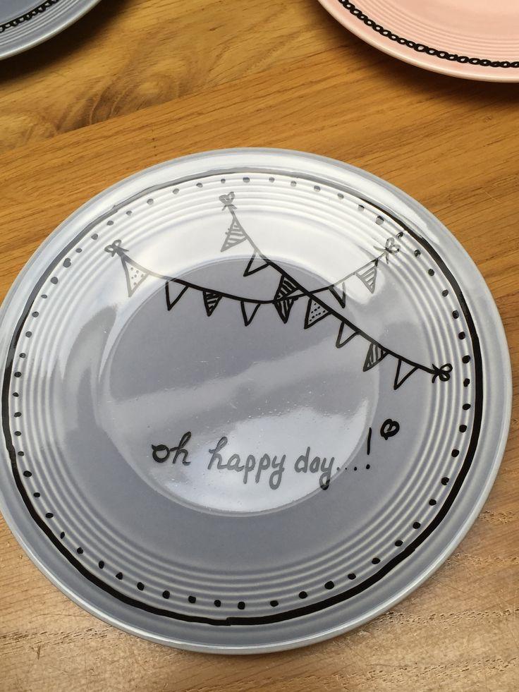 Bord voor verjaardag juf gemaakt DIY met porseleinstiften