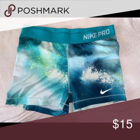 Frauen Nike Pro Spandex Shorts Leicht gebrauchte Nike-Profis in großen Größen. Minimaler Verschleiß. …   – My Posh Picks