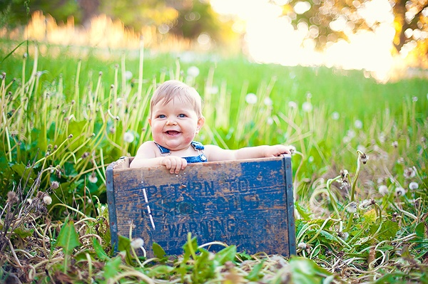I really want Aria Bethards to take some baby photos of P when we are in Utah this summer! I can already see him looking like this!