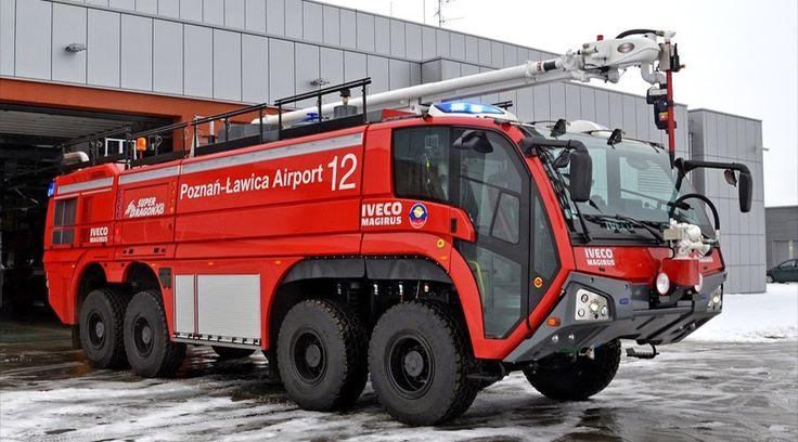 Iveco Magirus SuperDragon X8 ARFF W/ Hose Arm Feuerwehr