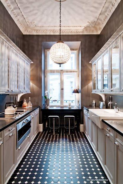 New York townhouse with black/white Winckelmans tile floor. Interior by FJ Interior Design, photo by Sara Niedzwiecka.