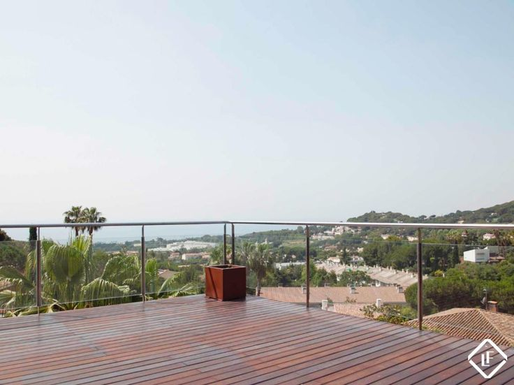 Stunning luxury property for sale in Premià de Dalt on the Maresme coast, offering fantastic sea and mountain views