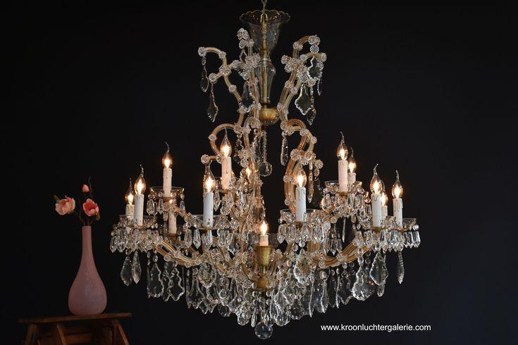 Grote kroonluchter 'Maria Theresia' met 16 lichtpunten, Ref. 574 www.kroonluchtergalerie.xom