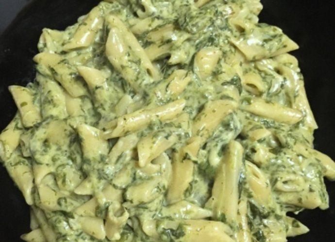 Macarrones exprés con espinacas para #Mycook http://www.mycook.es/cocina/receta/macarrones-expres-con-espinacas