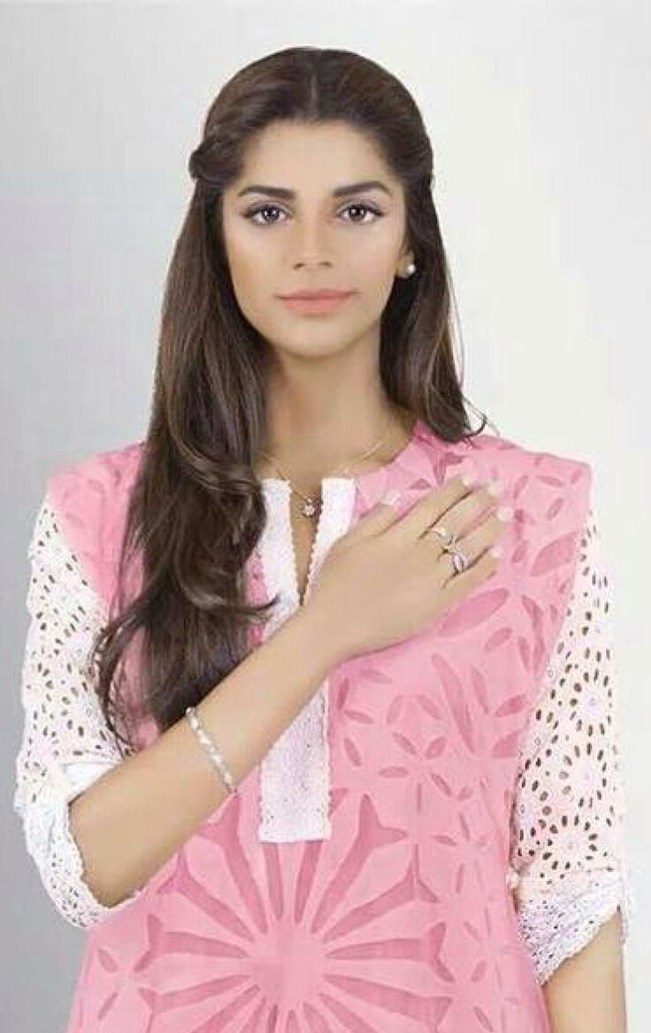 Sanam Saeed Nude Photos 21