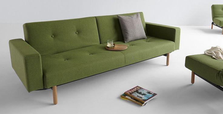 Innovation Asmund sovesofa i grøn med armlæn.