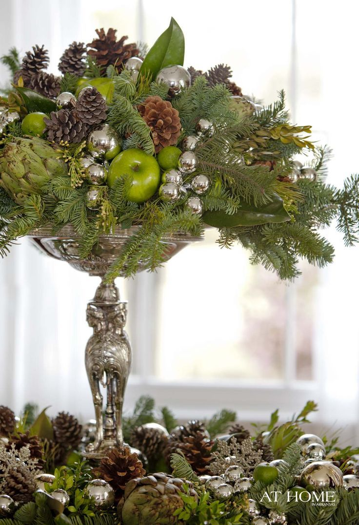 36 impressive christmas table centerpieces decoholic - Find This Pin And More On Christmas Decor By Glossynest