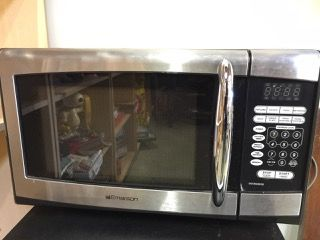 Emerson 900 Watts Black Microwave With Stainless Accents Model Mw8999sb Good