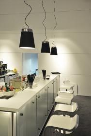 aranżacja wnętrz - Wykorzystano oprawę Tinto Cone Shade (Spotline 165500)  /oświetlenie kuchni/