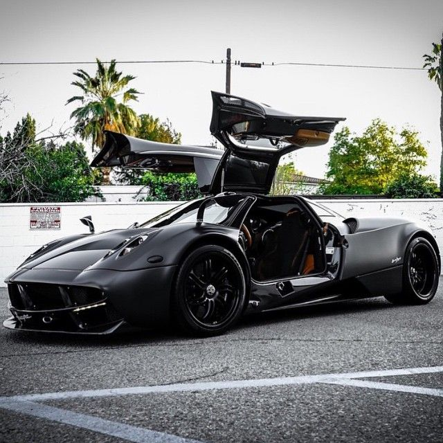 Charmant Pagani Huayra  The Ultimate Bat Mobile