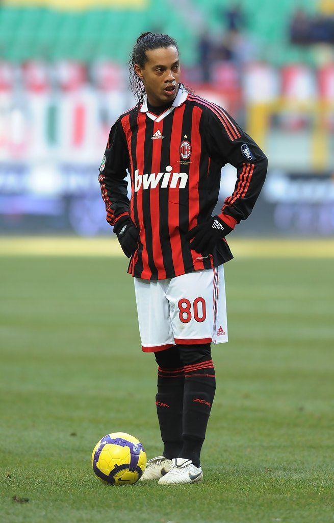 Ronaldinho+AC+Milan+v+Livorno+Calcio+Serie