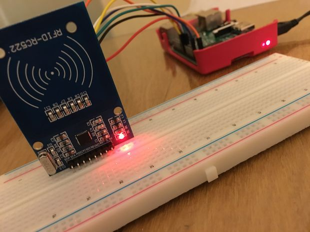 raspberry pi 3 model b mifare rc522 rfid tag reading