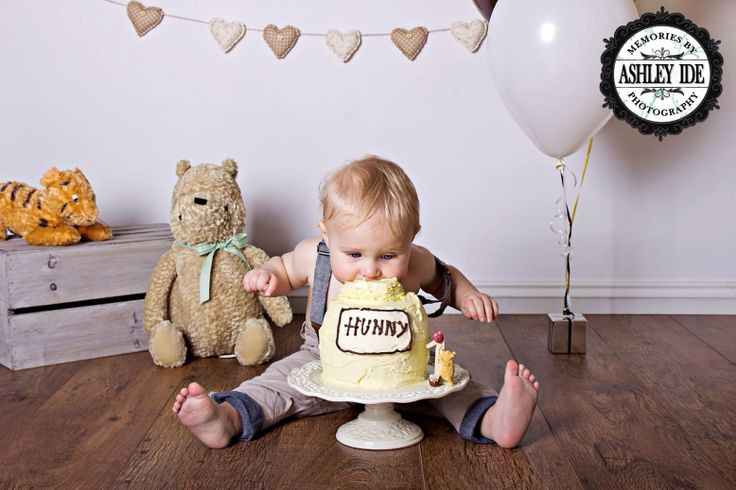 Cake Smash Photo Session Inspiration First Birthday Winnie the Pooh Honey Heart Bunting Toys Balloon Simple Floorboards Studio Lifestyle Kirra Photography