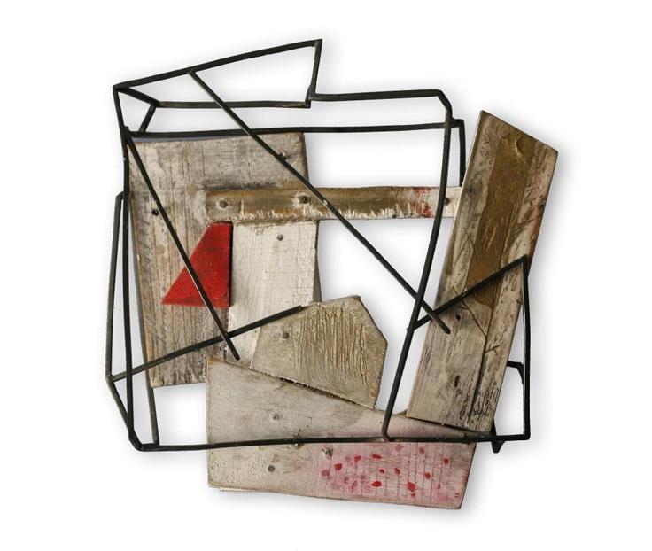 "Carla Garcia brooch - during SCHMUCK, in Instituto Cervantes Munich in the exhibition ""ConSpiracíon"" ( Escola Massana- ESAD Valencia). Opening 7 of March at 16 h. Alfons-Goppel-Strasse, 7"