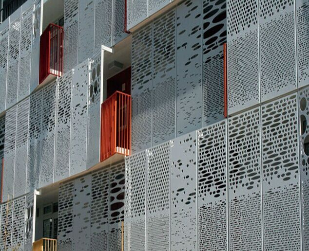 Facadeのためのcnc Punched Aluminum Decorative Curtain Wall写真