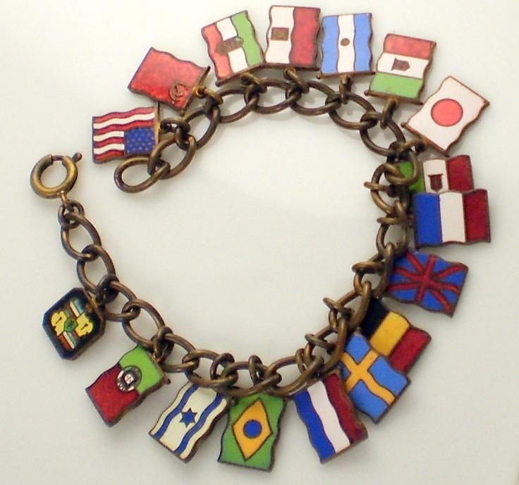 Vintage Amazing Enamel & Brass World Flag 17 Charm Bracelet