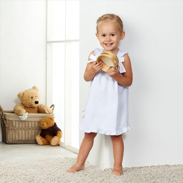 Kleine meisjes worden veel te snel groot! #kinderfotografie #kinder #fotografie #meisje #kinderfotograafpatrick