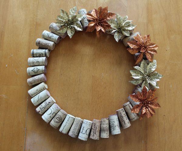 Quick (& Frugal) Wine Cork Wreath - DIY Crafts
