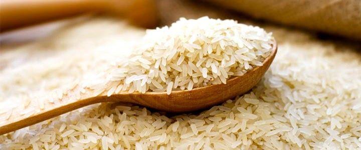 Il riso è la cariosside (frutto secco) dell'Oryza sativa, una pianta erbacea annuale che fa parte della vasta famiglia delle Graminacee, di cui fanno parte praticamente tutti i cereali. Le prime coltivazioni di questo cereale risalgono ad oltre 7.000 anni fa, nella parte sud-est della Cina.