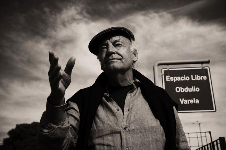 «L'utopia è come l'orizzonte: cammino due passi, e si allontana di due passi. Cammino dieci passi, e si allontana di dieci passi. L'orizzonte è irraggiungibile. E allora, a cosa serve l'utopia? A questo: serve per continuare a camminare.» Hasta siempre, Eduardo Galeano