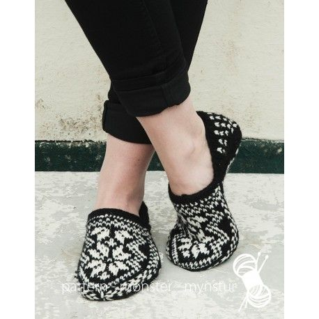 Nordic star slippers pattern