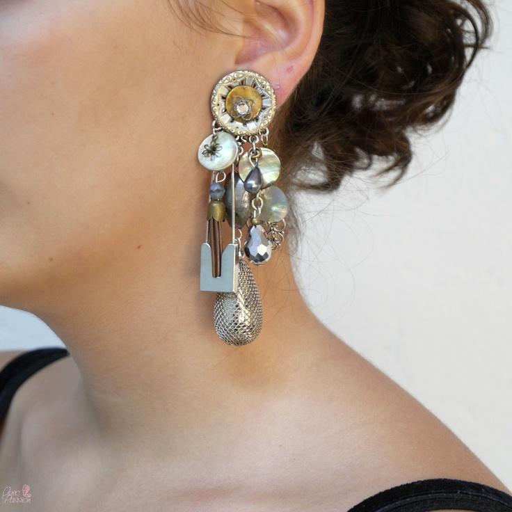 Boucles d'oreilles clips fantaisie, Boucles d'oreilles Clairébelle, Boucles d'oreilles de créateur