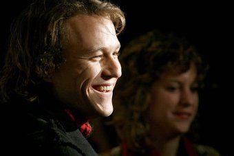 awesome El padre de Heath Ledger pide más conciencia a raíz del aumento de las muertes inducidas por drogas