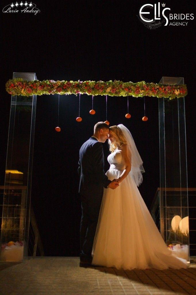 Выездная церемония в Чернигове. Свадьба на природе/за городом, выездная свадебная регистрация брака | Eli's brides