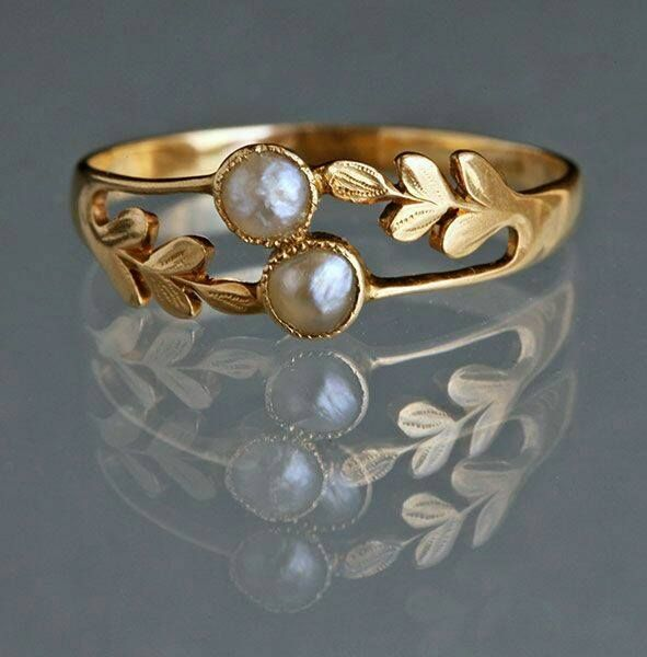 Edwardian Laureate Ring in Gold & Pearl c1905 - Tadema Gallery