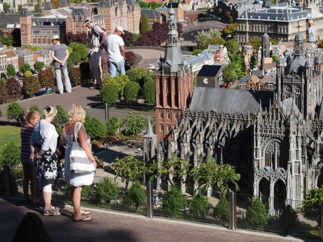 Madurodam Miniature City, Netherlands   1,000,000 Places