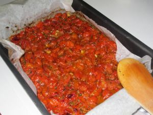 Baked fresh tomato sauce: a really delicious, easy, authentic Italian dish www.easyitaliancuisine.com