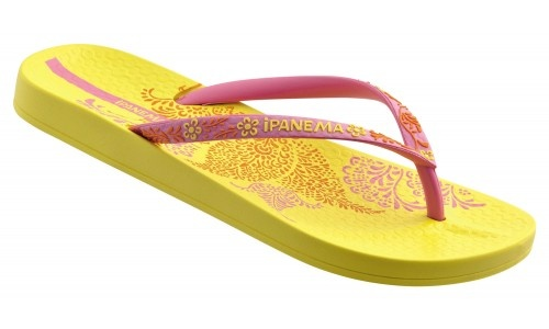 Love Ipanema, they are so comfy and the colours here are fab ♥
