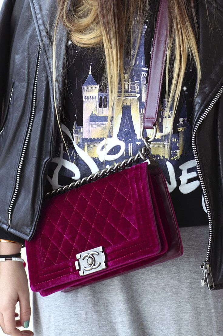 Wear velvet Chanel purses for the perfect date night. Find your new favorite purse on eBay and shop more inspiration.