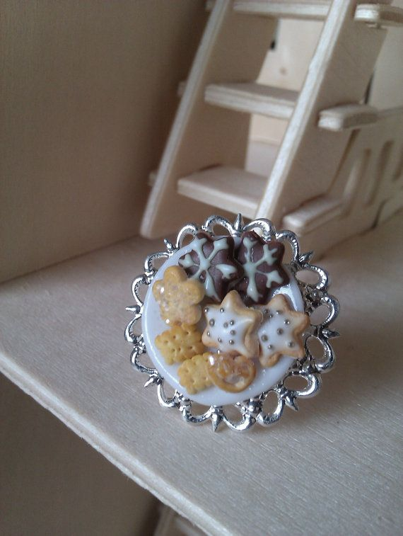 Handmade polymer clay Cookies dish ring by MiniCose on Etsy, €13.00