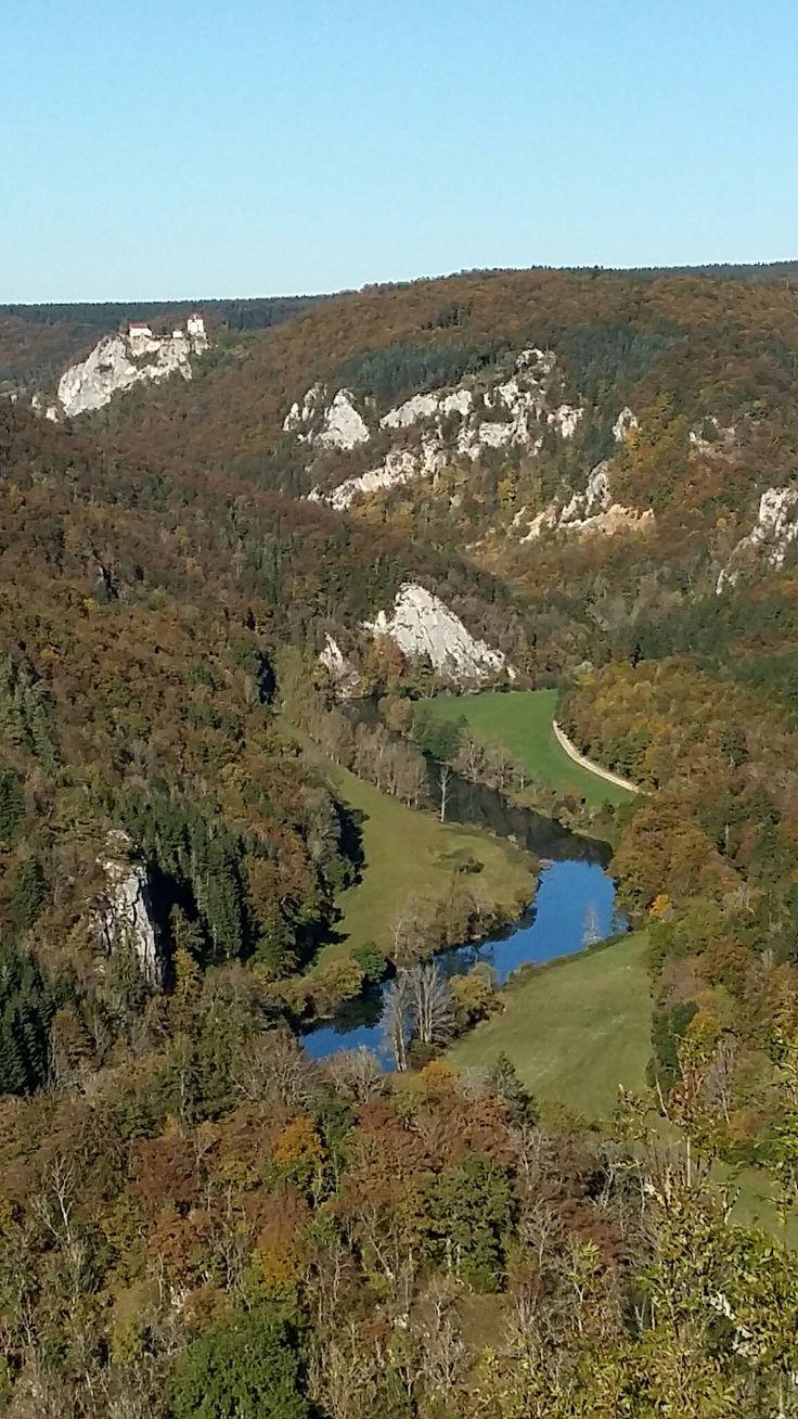 Donautal - Schwäbische Alb bei Friedingen mit der Sicht von der Burgruine Kallenberg