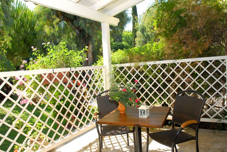 Perfect little studio veranda to have breakfast, lunch and a glass of wine (or two)!