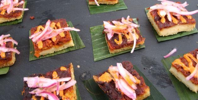 """Receta de salsa Xni-Pec. El nombre de esta salsa significa """"nariz de perro"""" y es muy común en Yucatán; la sirven como acompañamiento de la mayoría de los platillos típicos de la región."""